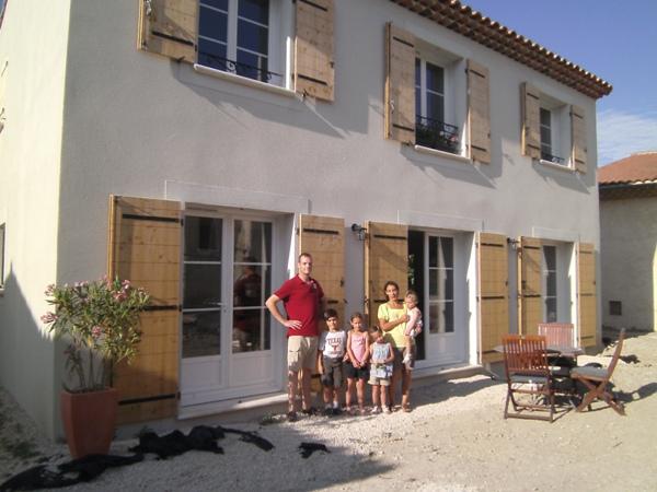 famille heureuse construction maison bbc rt 2012 aix en provenceconstruction maison bbc rt. Black Bedroom Furniture Sets. Home Design Ideas